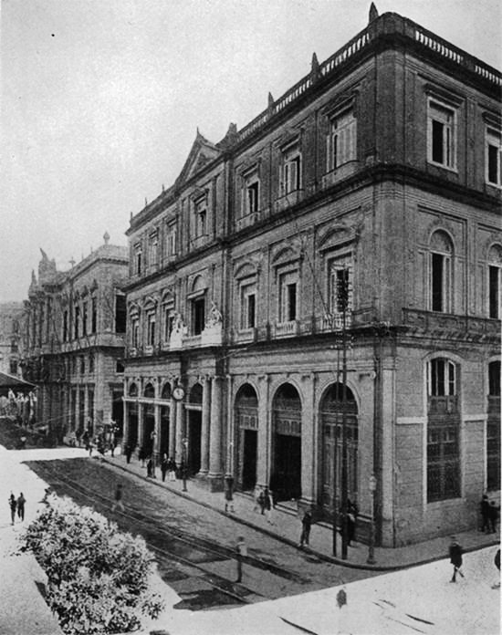 Edificio dos Correios na rua 1º de março